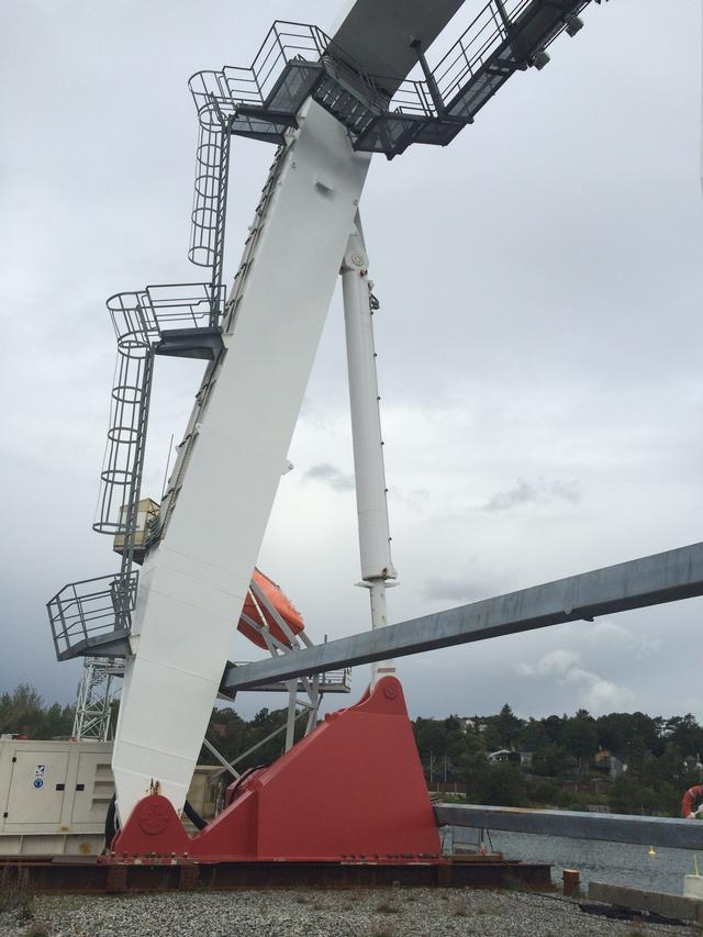 150 ton A-frame