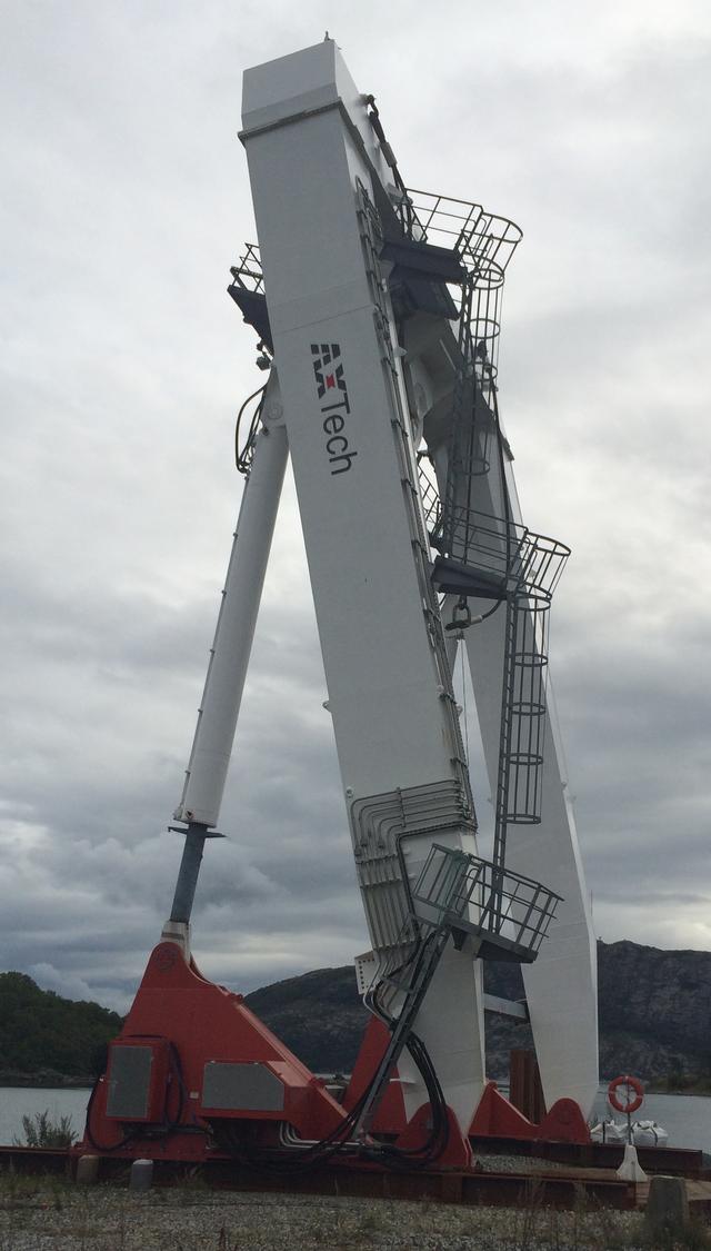 200 ton A-frame