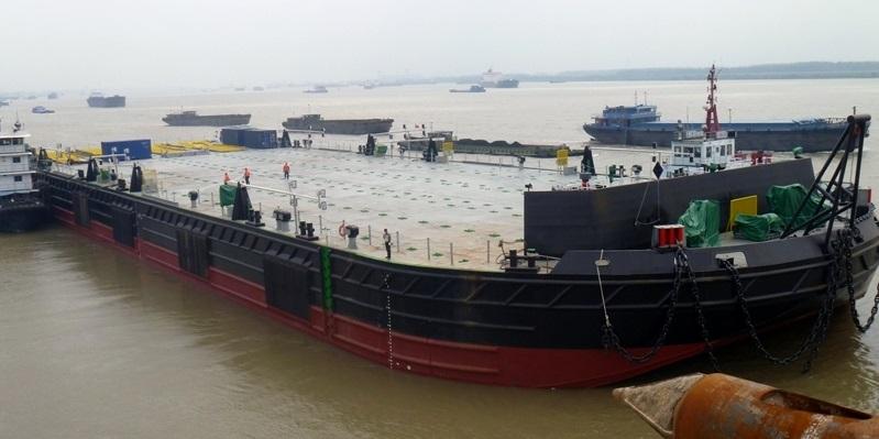 heavy lift barge