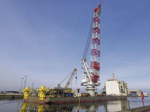 Crane accom barge