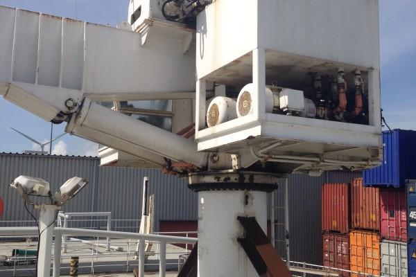 offshore crane