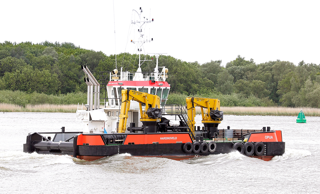 Multi purpose utility vessel